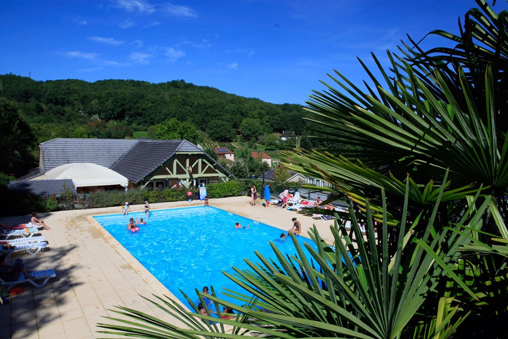 hameaux-du-perrier-piscine-02
