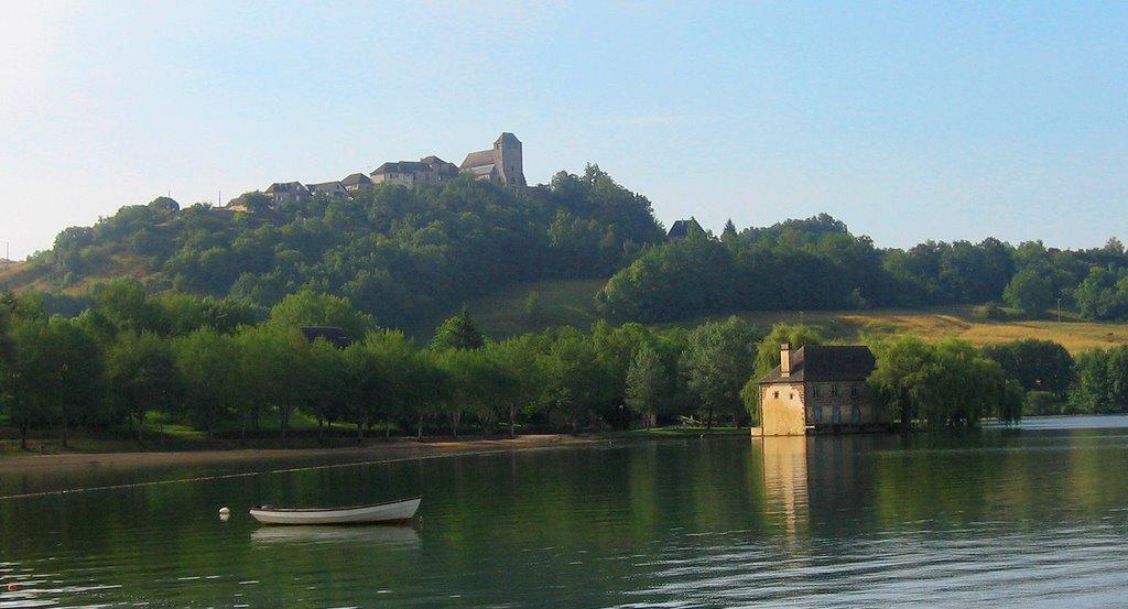 lac du causse hameaux du Perrier correze