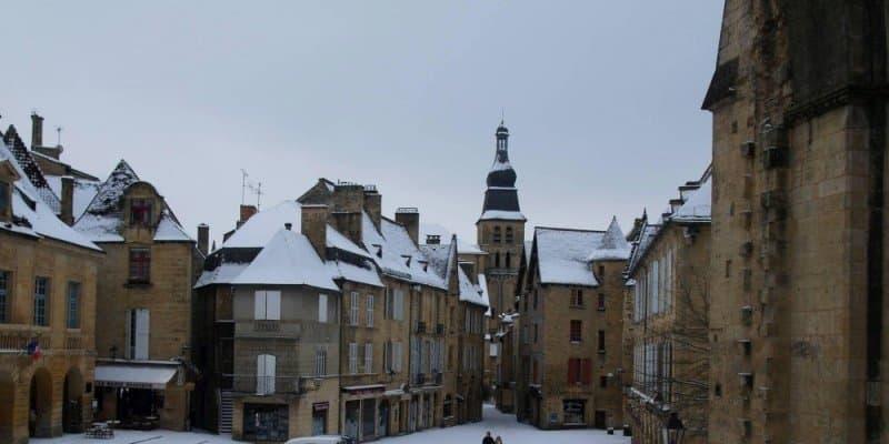 Sarlat dordogne sous la neige