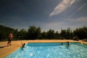 Profitez des 2 piscines du village vacances en Corrèze